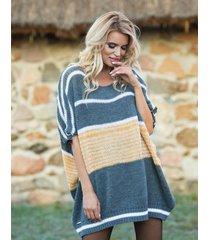 sweter oversize z dzianiny