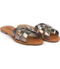 sandalia plana plomo en cuero cruzado versilia majo
