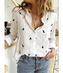blusa de lino con botones delanteros con estampado animal blanco