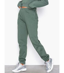 nly trend cozy sweat pants byxor grön