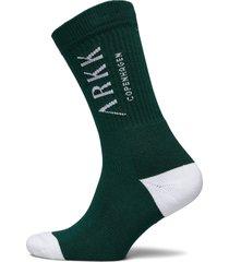 the high sock - essential garden gr underwear socks regular socks grön arkk copenhagen