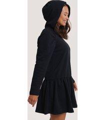 na-kd gathered hoodie dress - black