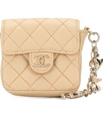 chanel pre-owned 2002 diamond quilted pouch - neutrals