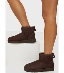ugg w classic mini ii flat boots chocolate