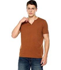 camiseta con botones de hombre-café polovers