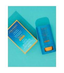 amaro feminino shiseido protetor solar em bastão clear stick uv protector spf50 - 15g, neutra