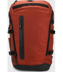 morral  naranja-negro oakley outdoor backpack