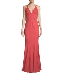 v-neck sleeveless gown