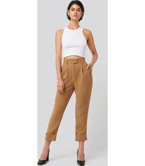 na-kd classic folded cigarette suit pants - beige