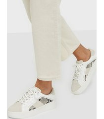 duffy contrast field sneaker low top
