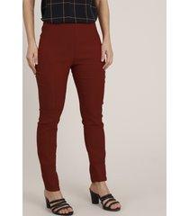 calça legging feminina com recortes vermelho
