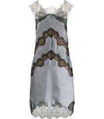 chevron lace shift-dress