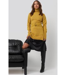 na-kd buckle belt knitted sweater - yellow