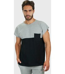 camiseta piquet brohood force preto e cinza