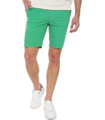 bermuda verde colore