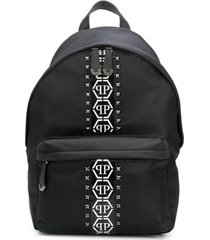 philipp plein mochila com tachas e logo hexagonal - preto