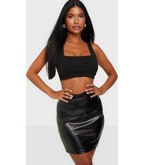 nly one leatherlook mini skirt minikjolar
