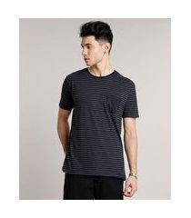 camiseta masculina básica listrada com bolso manga curta gola careca preta