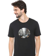 camiseta sandro clothing metropolitan preto - preto - masculino - dafiti