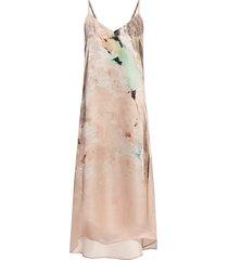 essey dress with straps