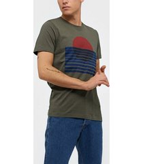 selected homme slhjared print ss o-neck tee w t-shirts & linnen beetle