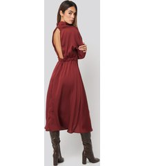 trendyol back low-cut midi dress - red