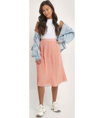 na-kd pleated midi skirt - pink