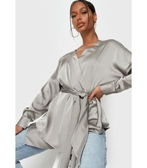 blusa missguided oversized plunge blouse verde - calce oversize