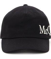 baseball cap oversized logo