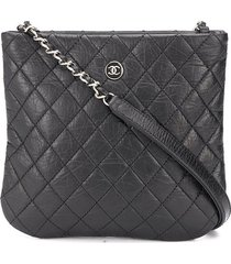 chanel pre-owned 2018 diamond quilt crossbody bag - black