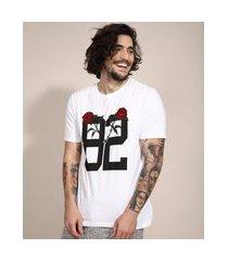 """camiseta 82"""" com bordado manga curta gola careca branca"""""""