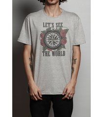 camiseta let's see the world