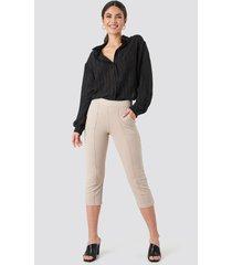 na-kd elastic waist front seam pants - beige