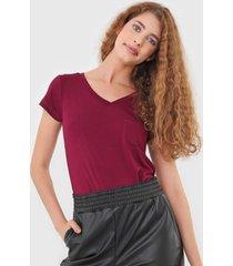 camiseta polo wear bolso vinho - vinho - feminino - viscose - dafiti