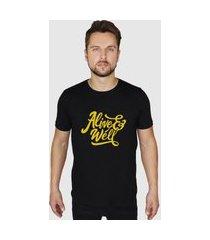 camiseta básica masculina preta suffix preto estampa vivo e bem amarelo