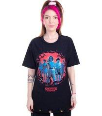 camiseta dupla face stranger things personagens preto