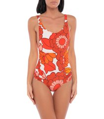 dodo bar or one-piece swimsuits