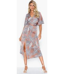 ax paris v neck belted dress loose fit