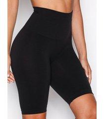 pieces pcimagine shapewear shorts shaping & support svart
