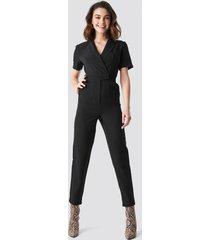 na-kd overlap collared jumpsuit - black