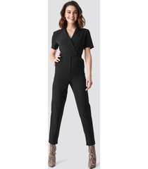 na-kd overlap collared jumpsuit - black