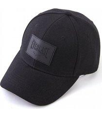 gorra negra  everlast