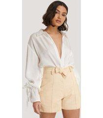 trendyol milla belt shorts - beige