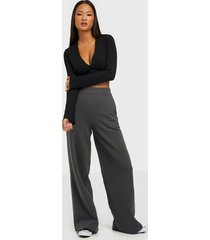 nly trend wide sweat pants byxor