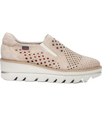 callaghan party line slip on