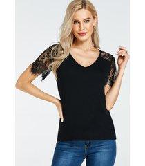 camiseta de manga corta con cuello en v y mangas de encaje negro