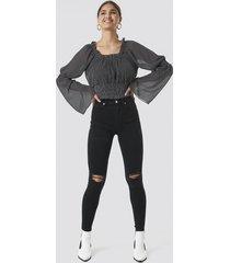 na-kd skinny high waist destroyed jeans - black