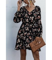 mangas abullonadas con cuello en v y estampado floral al azar en negro vestido