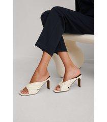 na-kd shoes högklackade sandaler med knutna remmar - offwhite