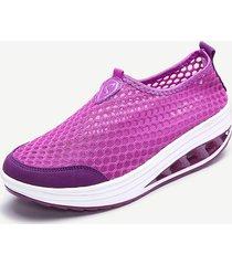 scarpe casuali e sportive atletiche a piattaforma di slip-on in mesh respirabile con colore puro